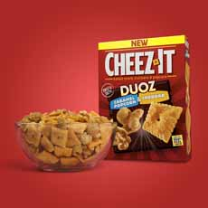 Cheez-It Caramel Popcorn and Cheddar_Bowl Duoz
