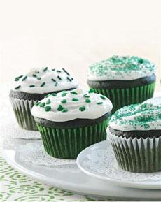 Easy-Green-Velvet-Cupcakes-mccormick-ps-230