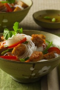 asian_noodle_bowl_with_seared_tempeh_lightlife-230