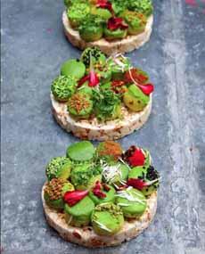 Avocado  On Rice Crackers