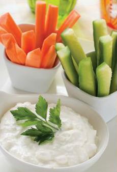 blue-isle-yogurt-spread-crudites-230