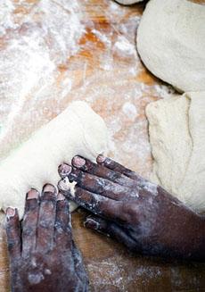 bread-kneeding-hotbreadoven-230