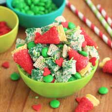 Chex Merry Grinch Mix