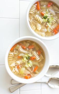chicken-noodle-soup-goodeggs-230r