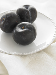 damson-plums-230