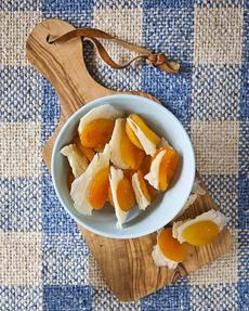 dried-apricots-parmigianoreggianoFB-230r