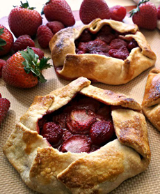 /home/content/71/6181571/html/wp content/uploads/galette crostada californiastrawberries 230