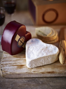 Godminster Heart Shaped Cheddar