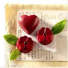 hearts-flowers-johnandkiras-230sq