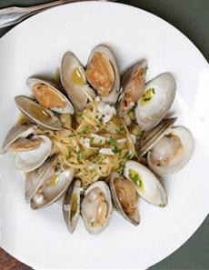 linguine-alla-vongole-clam-olionyc-230