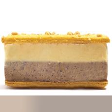 maca-long-w-meringue-napoleonsmacarons-LA-230b