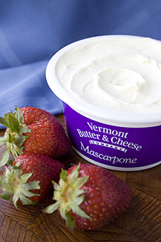 mascarpone-berries-230