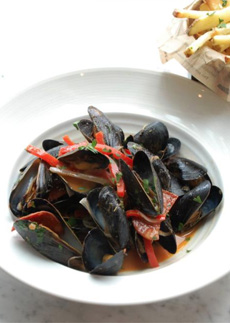 mussels-fried-moules-frites-duplexonthird-230
