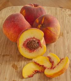 organic_peaches_autumnFlame-froghollowfarm-230