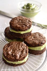 pistachio-brownie-sandwich-sprinkleofcinnamon-230