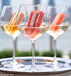 prosecco-ice-pops-conradhotel-230