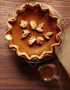 pumpkin-apple-pies-leaf-decor-ws-230
