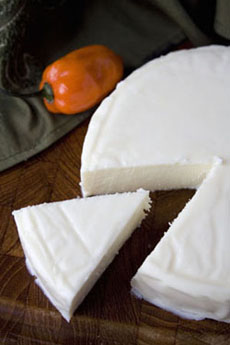 queso-fresco-cut-230