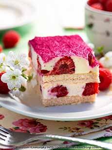 No-Bake Wafer Cake