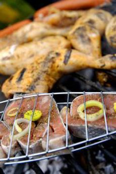 salmon-chicken802078_SXCSlavomirUlicny