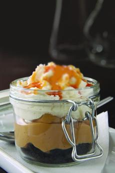 salted-caramel-pudding-calpizzakitchen-230ps