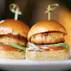 seared-scallop-sliders-tommybahama