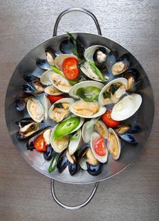 spicy-mussels-barnjooNYC-230