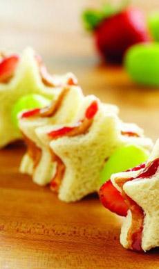 star-sandwich-skewers-smuckers-230
