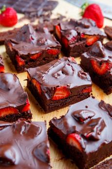 Chocolate-Strawberry Brownies
