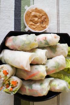summer-rolls-peanut-butter-sauce-lizziemabbot-ILPB-230r