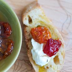 Sundried Tomato Crostini