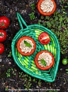 tomato-cupcakes-top-down-kaminsky-230
