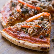 Tuna & Capers Pizza