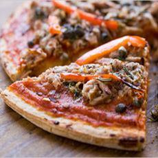 Tuna & Capers Pizza