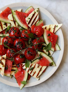Fruit Salad With Halloumi Cheese